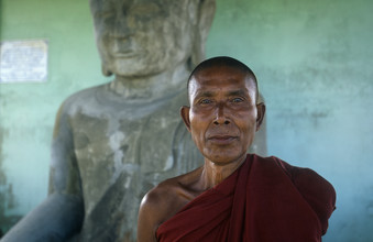 Martin Seeliger, Am Sakya Tiha-Standbild (Myanmar, Asien)