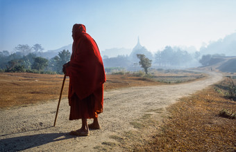 Martin Seeliger, Rastender Mönch (Myanmar, Asien)