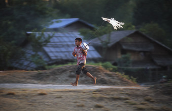 Martin Seeliger, Plastiktütendrachen (Myanmar, Asien)