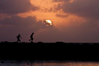 Tom Sabbadini, Boys at Sunset (Nicaragua, Lateinamerika und die Karibik)