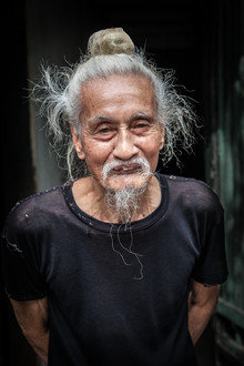 Jörg Faißt, Old man in the streets of Ha Noi (Vietnam, Asien)