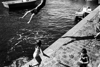 Piero Chiussi, Am Hafen (Frankreich, Europa)