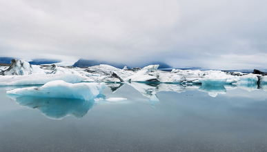 Daniel Schoenen, Gletschersee (Island, Europa)