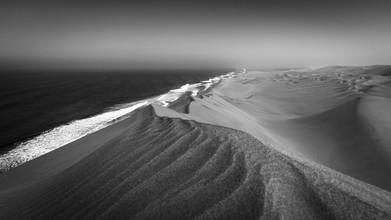 Dennis Wehrmann, The long wall - Sandwich Harbor (Namibia, Africa)