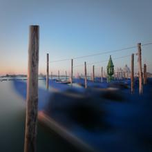 Dennis Wehrmann, Sunrise Gondolas Piazza San Marco | Venice, Italy - Sonnenaufgang Gondolas Piazza San Marco | Venedig, Italien (Italien, Europa)