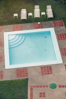 Pool_01 - fotokunst von Florian Büttner