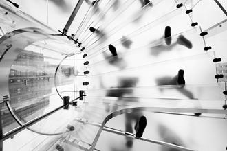 Daniel Schoenen, Wendeltreppe aus Glas (Vereinigte Staaten, Nordamerika)