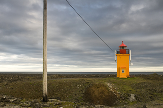 Daniel Schoenen, gelber Leuchtturm (Island, Europa)