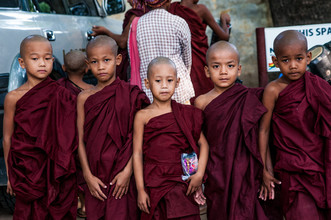 Juan Pablito Bassi, Young Monks (Myanmar, Asia)