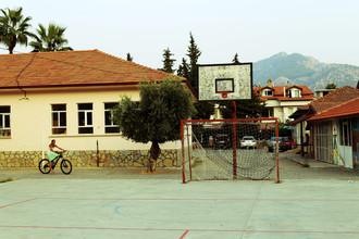Ivonne Wentzler, SCHOOLYARD (Türkei, Europa)