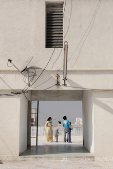 Enok Holsegaard, Family on roof (India, Asia)