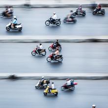 Jörg Faißt, Moped Riders #2 in Hanoi (Vietnam, Asia)