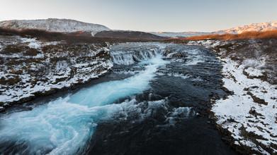Dennis Wehrmann, Langzeitbelichtung vom Bruararfoss auf Island zum Sonnenuntergang (Island, Europa)