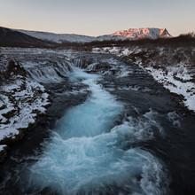 Dennis Wehrmann, Langzeitbelichtung Bruarfoss auf Island zum Sonnenuntergang (Island, Europa)