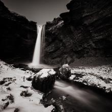 Dennis Wehrmann, Langzeitbelichtung des Wasserfalls Solheimajoekull auf Island (Island, Europa)