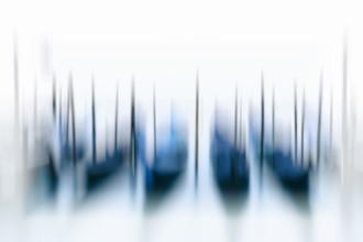 Gondeln in Venedig - fotokunst von Jürgen Wolf