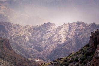Eva Stadler, Vast and small - vast mountain and miniature farm (Oman, Asien)