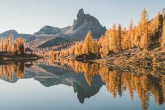 Roman Königshofer, Vibrant fall colors in the Dolomites (Italy, Europe)