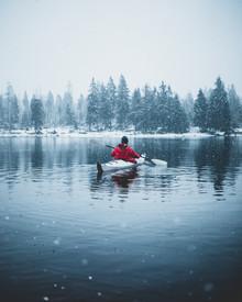 Paddling in the Winter - fotokunst von Luca Jaenichen