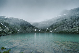 Felix Finger, Bergsee im Nebel (Österreich, Europa)