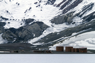 Angelika Stern, Deception Island, Antarktis (Argentina, Latin America and Caribbean)