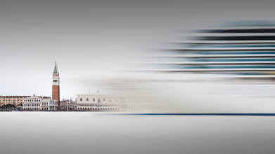 Costa Luminosa - Venedig - fotokunst von Ronny Behnert