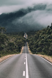 Christian Hartmann, Lonlely Road in the Grampians Nationalpark (Australia, Oceania)