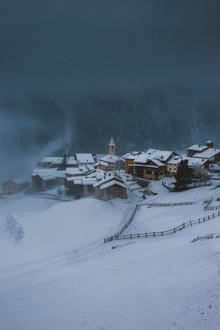 Jan Keller, Schweizer Bergdorf im Schneesturm (Schweiz, Europa)