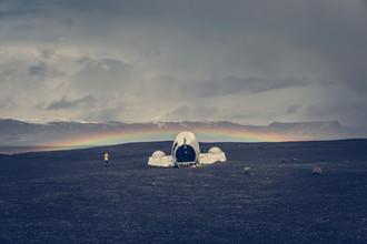Franz Sussbauer, airplane wrack and rainbow (Iceland, Europe)