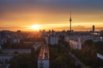Jean Claude Castor, Berlin Skyline mit Sonnenstrahlen (Deutschland, Europa)