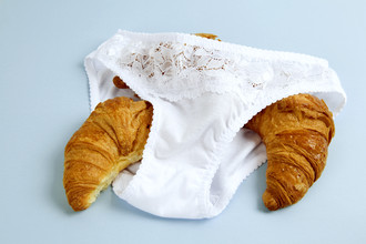 Loulou von Glup, knickers and croissants (Belgium, Europe)