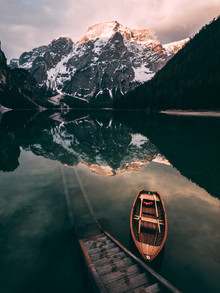 Sebastian 'zeppaio' Scheichl, Sonnenaufgang am Pragser Wildsee (Italien, Europa)
