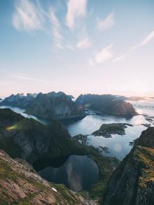 Sebastian 'zeppaio' Scheichl, Mountainview on the Lofoten Islands (Norway, Europe)