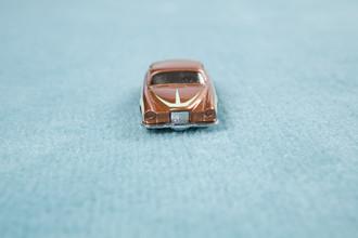 Loulou von Glup, car on carpet (Belgium, Europe)