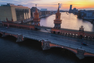 Jean Claude Castor, Berlin Oberbaumbrücke zum Sonnenaufgang (Deutschland, Europa)