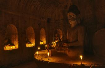 Martin Seeliger, Im Innern des Tempels (Myanmar, Asien)