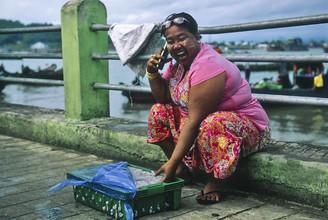 Fischgroßhändlerin - fotokunst von Martin Seeliger