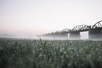 Nadja Jacke, Elbe bridge Dömitz before sunrise with fog (Germany, Europe)