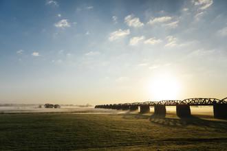Nadja Jacke, The Elbe bridge Dömitz shortly after sunrise. (Germany, Europe)