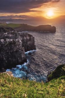 Jean Claude Castor, Azoren Sao Miguel Küste bei Sonnenuntergang (Portugal, Europa)