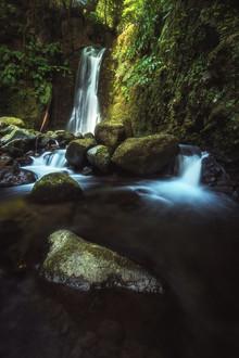 Jean Claude Castor, Wasserfall auf den Azoren (Portugal, Europa)