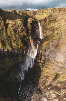 Jean Claude Castor, Wasserfall der Ribeira Grande auf Flores aus der Luft (Portugal, Europa)