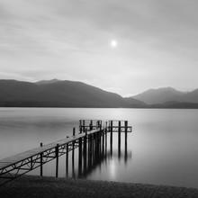 Steg in Te Anau - fotokunst von Christian Janik
