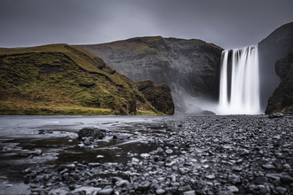 Skógafoss - Fineart photography by Brian Decrop