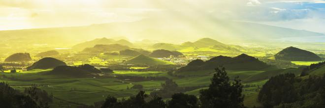 Landschaft auf Sao Miguel - fotokunst von Jean Claude Castor