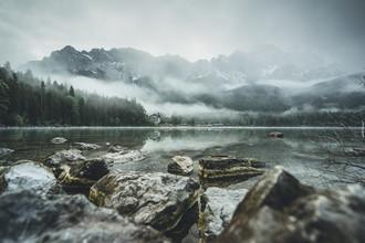 Mirror Lake - fotokunst von Philipp Steiger