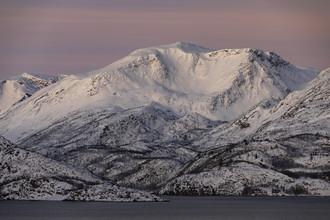 Dirk Heckmann, Pastellfarbene Winterstimmung in Nordnorwegen (Norwegen, Europa)