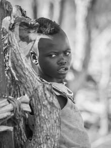 Junge vom Stamm der Himbas - fotokunst von Phyllis Bauer