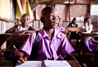Victoria Knobloch, In der Schule (Uganda, Afrika)