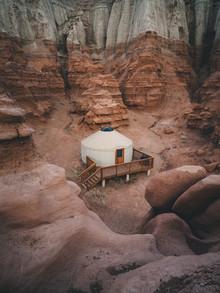 Ueli Frischknecht, Yurt life in Goblin Valley (United States, North America)